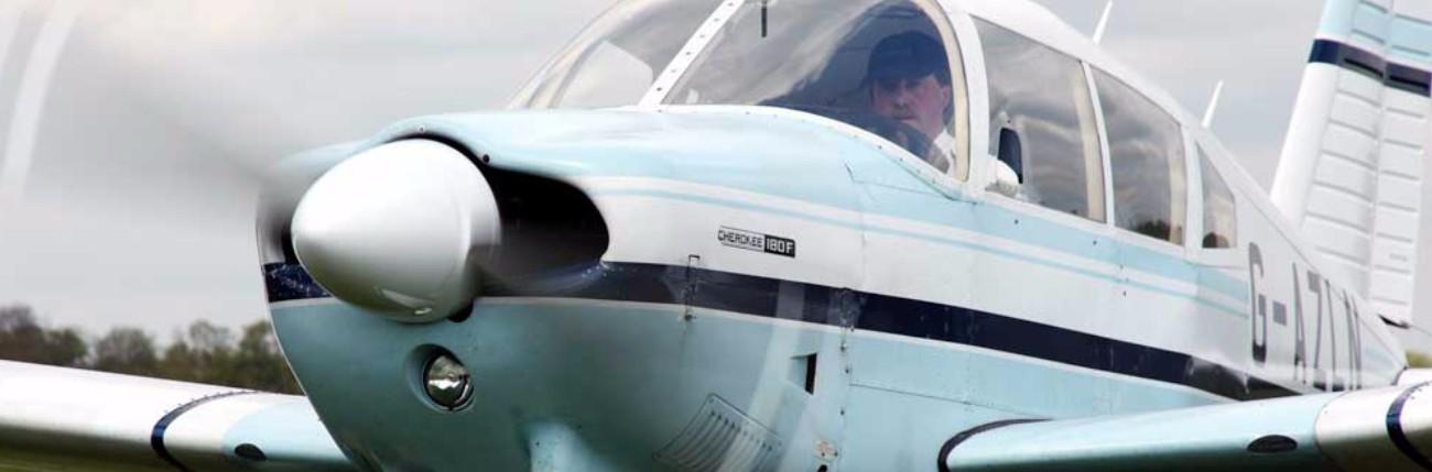PA28 Cherokee 180 G-AZLN Enstone Flying Club
